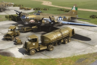 Eighth Air Force: Boeing B-17G™ & Bomber Re-supply Set - Airfix